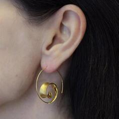Fashionable Leaves Shaped Twist Alloy Women's Earrings 2 PCS