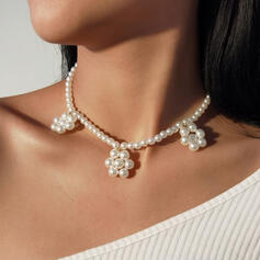 Fashionable Sexy Vintage Simple Delicate Alloy Imitation Pearls With Pearls Women's Ladies' Girl's Necklaces 1 PC