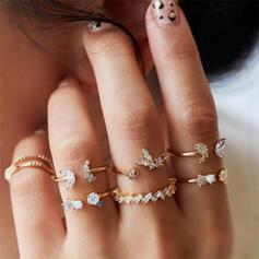 De moda Fantasía Aleación Diamantes de imitación con De la mariposa Flores Anillos 7 PCS