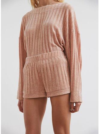 Poliéster Color sólido Volantes Cuello Redondo Seductor Felpa Conjunto de pijama